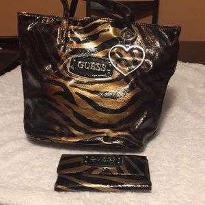 Guess Bags - Guess purse with wallet barely used no tears